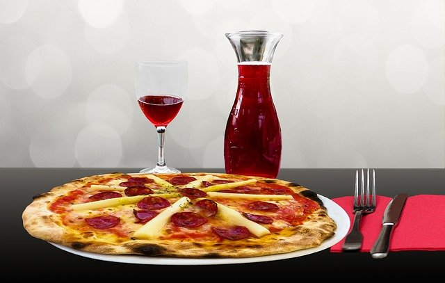 Le vin s'associe avec la cuisine pour donner un goût à vos repas